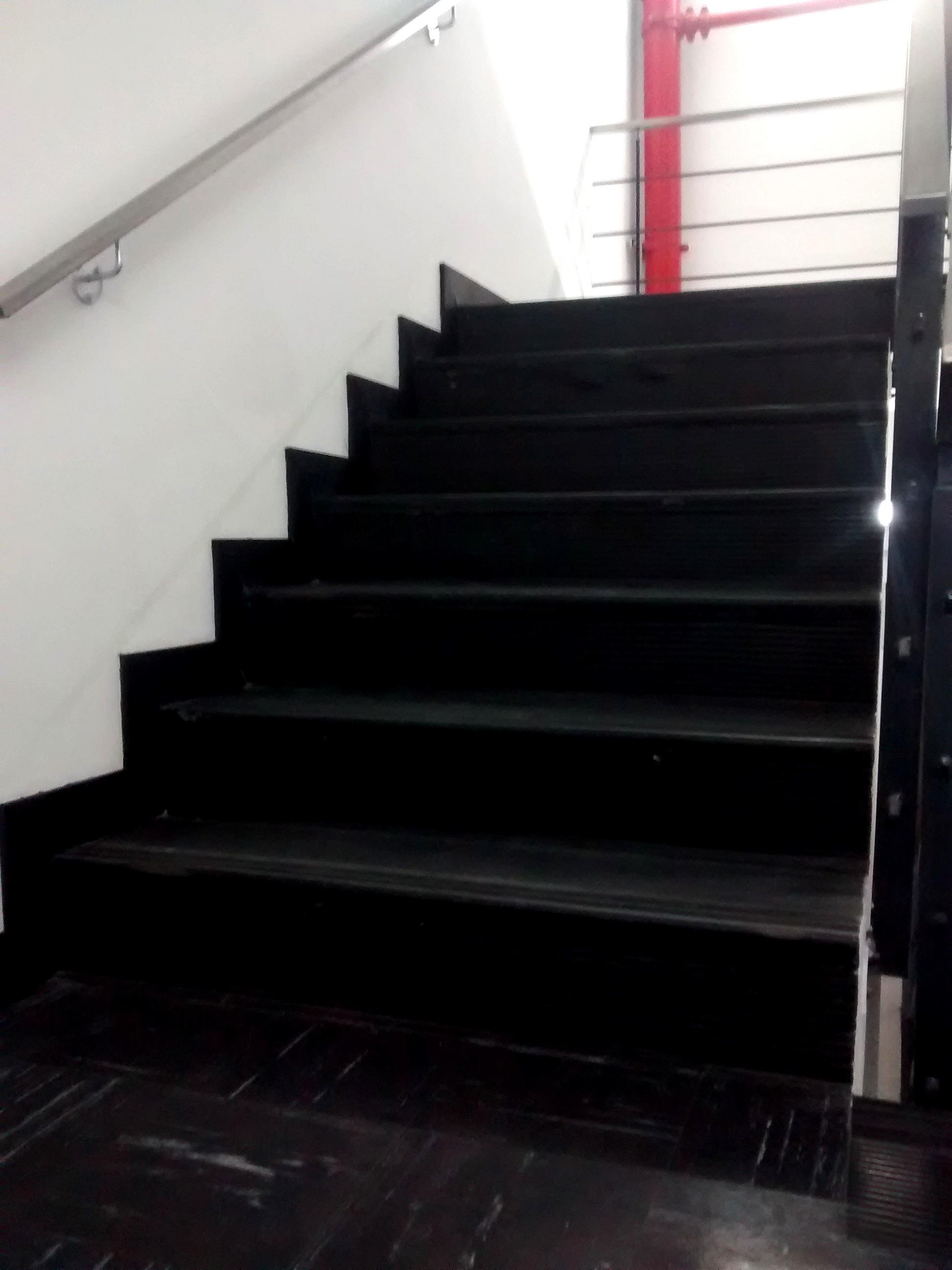 Perfileria en pvc pisos de vinilo - Vinilos para escaleras ...
