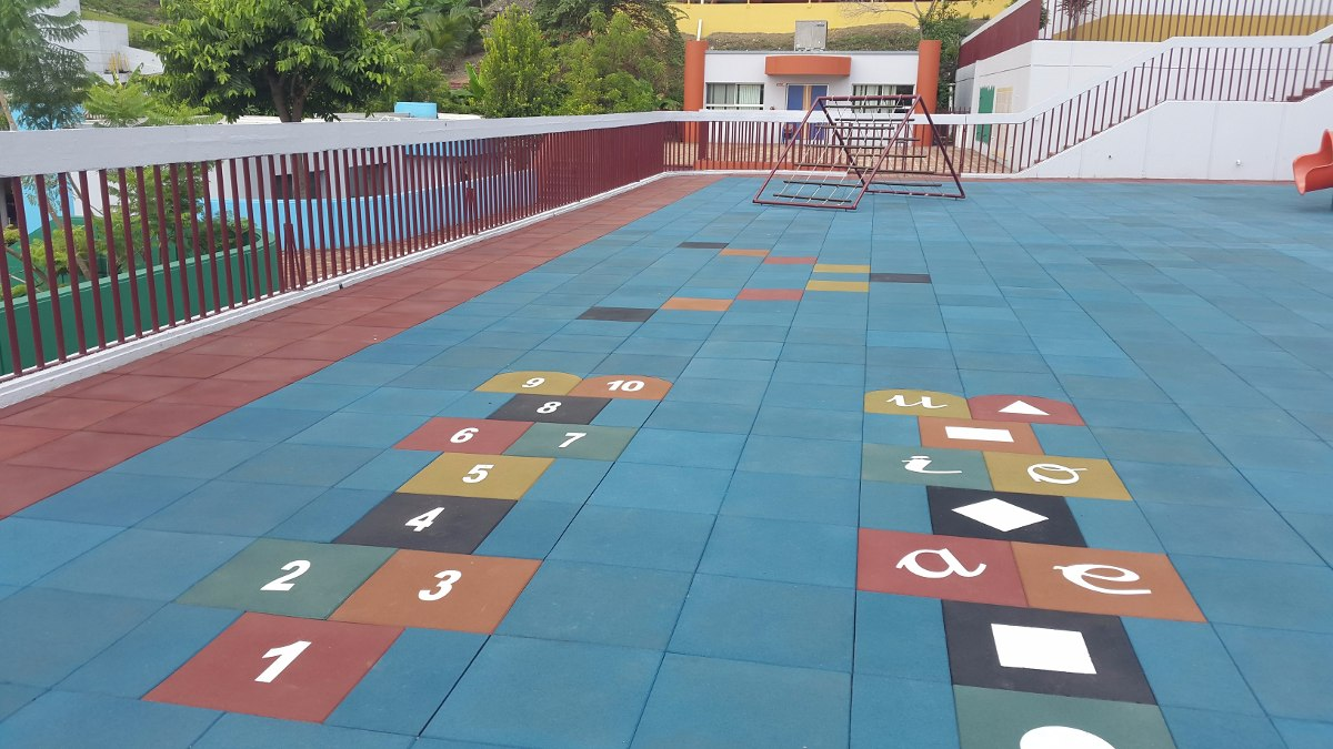 Piso para parques infantiles - Piso baldosa ...